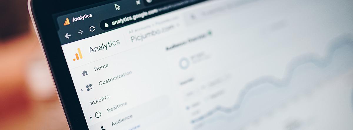 google analytics slowa kluczowe